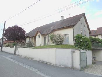 Maison 11 pièces 211 m2