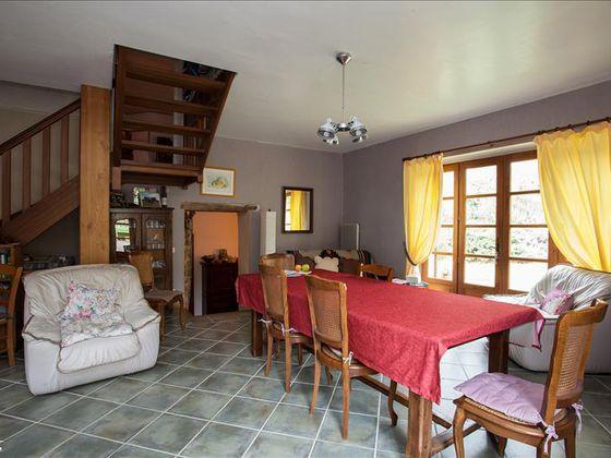 Vente maison 11 pièces 239 m2