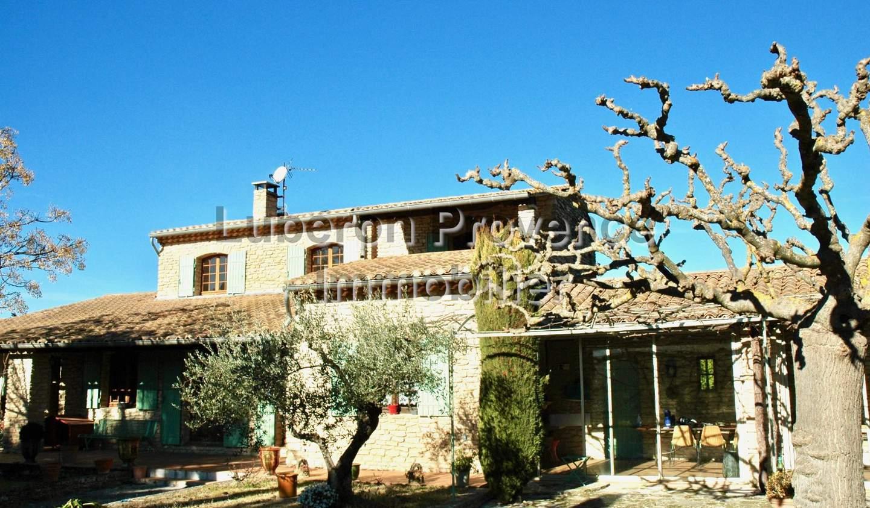 Maison avec piscine et terrasse Lagnes