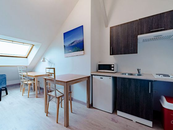 Location studio meublé 18,83 m2