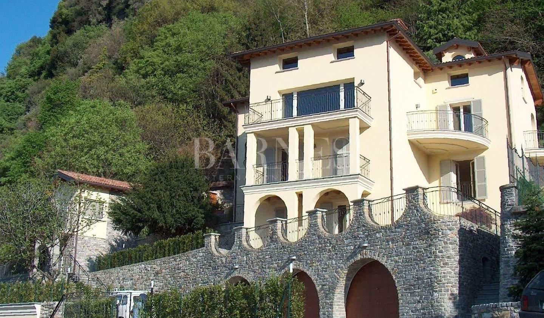 Villa with garden Domaso