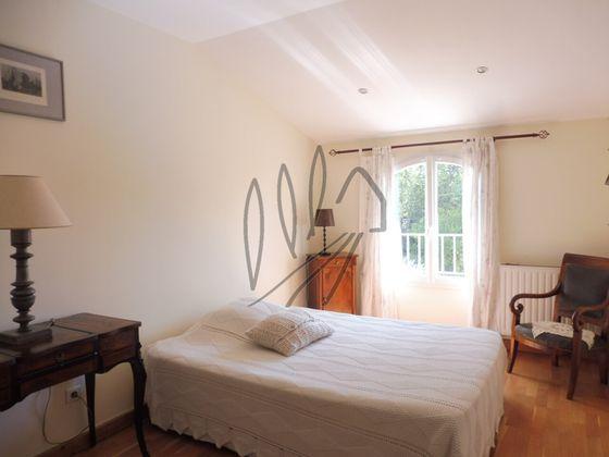 Vente villa 5 pièces 136 m2