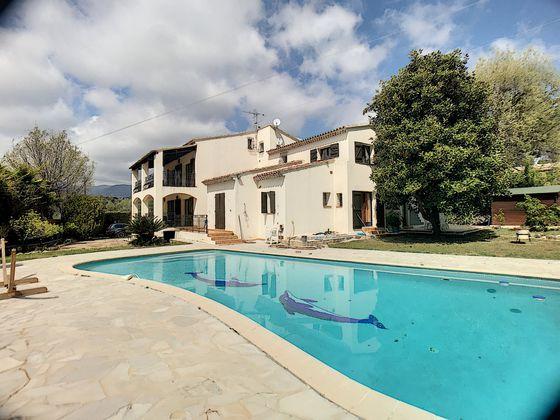Vente villa 9 pièces 291 m2