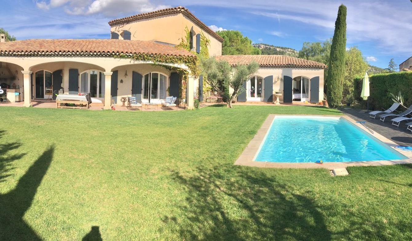 Maison avec piscine et jardin Cassis