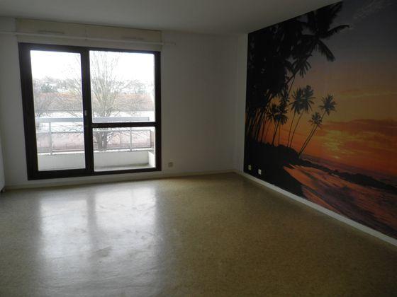 Location studio 29,42 m2