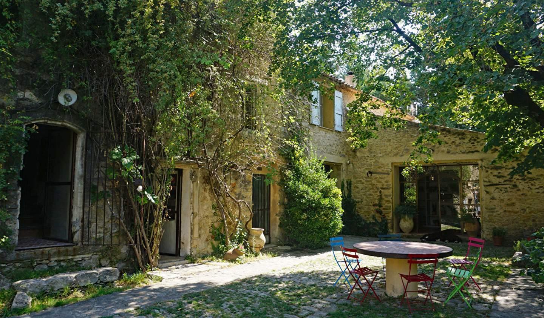 Maison Pierrerue