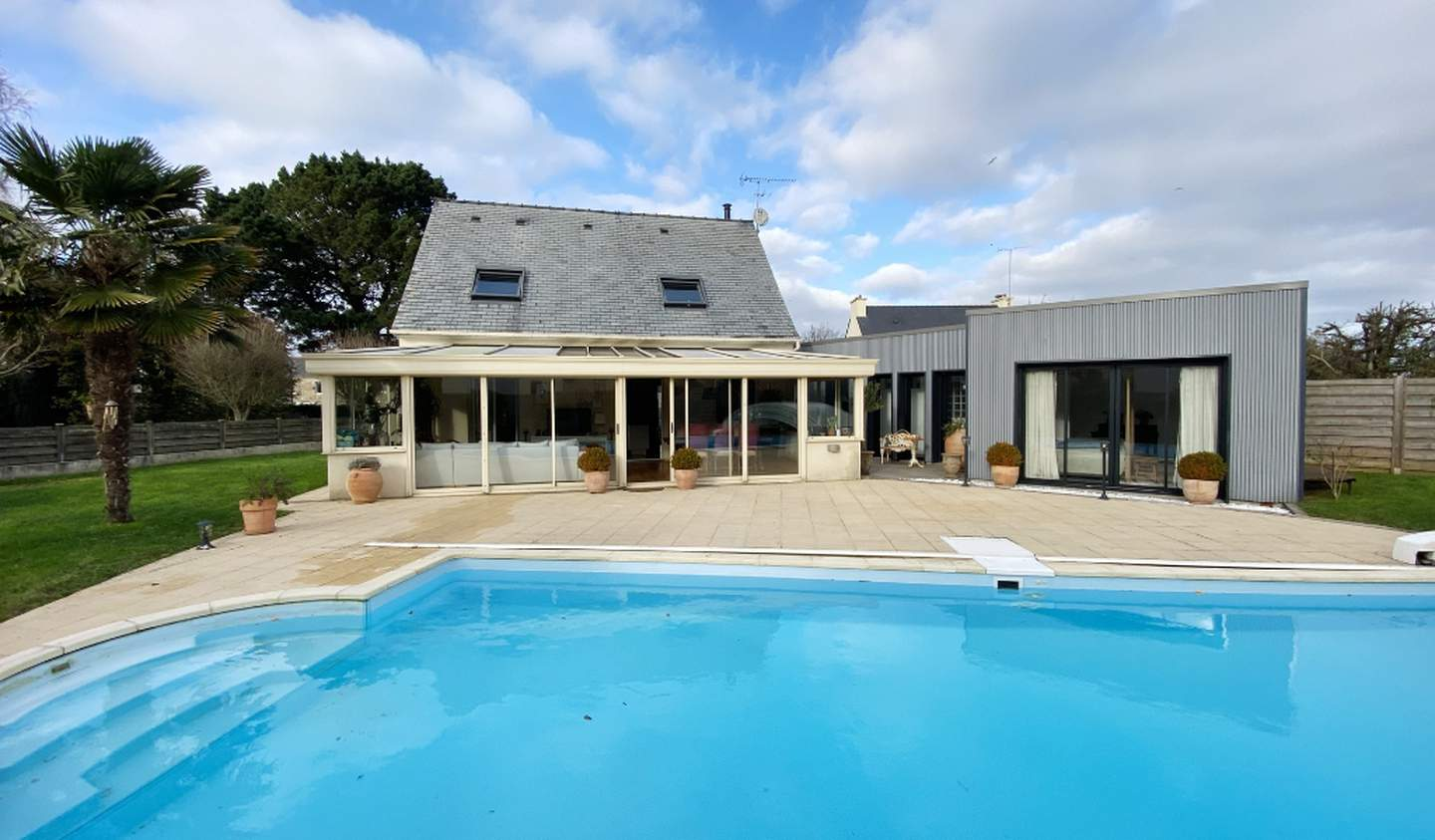 House with pool and terrace Saint-Brieuc