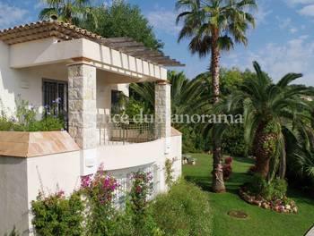 Villa 10 pièces 326,81 m2