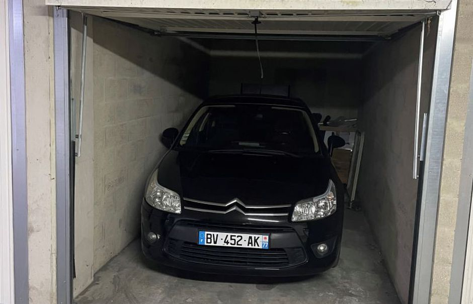 Vente parking  12 m² à Corbeil-Essonnes (91100), 17 000 €