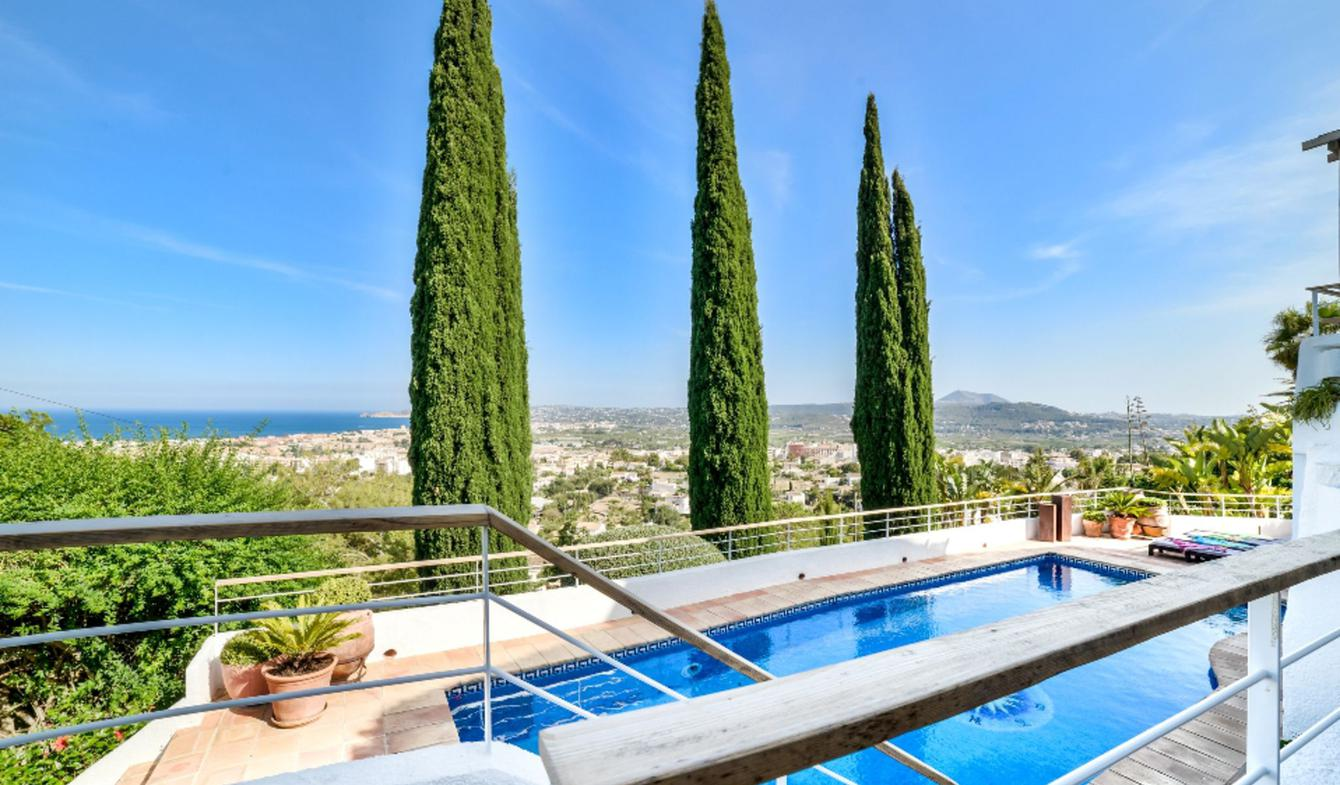 House with pool Girona