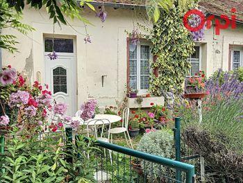 maison à Cressanges (03)
