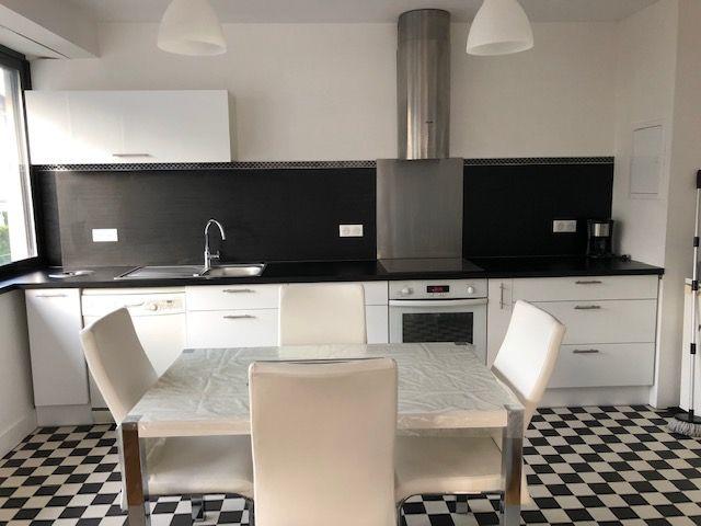 Location Appartement 3 Pieces 100 M 900 Clermont Ferrand 63