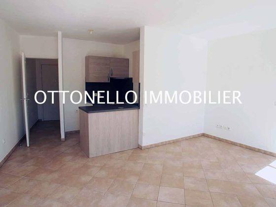 Location appartement 2 pièces 43,2 m2