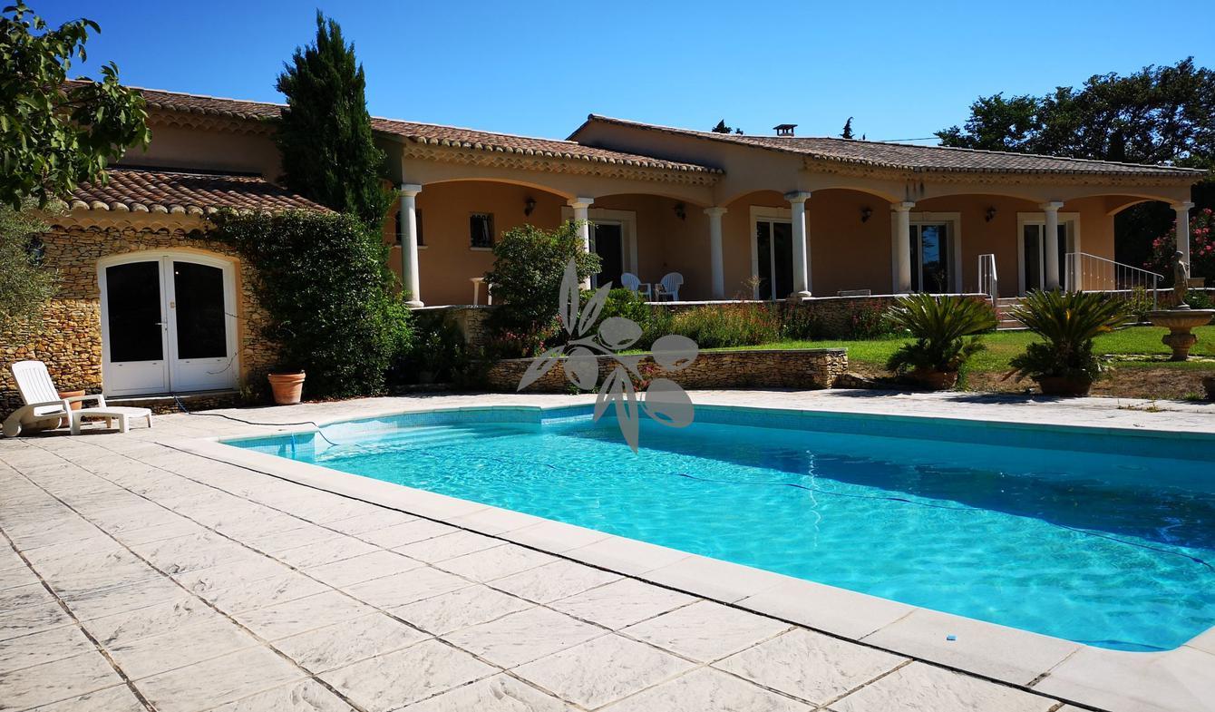 Villa avec piscine Orange