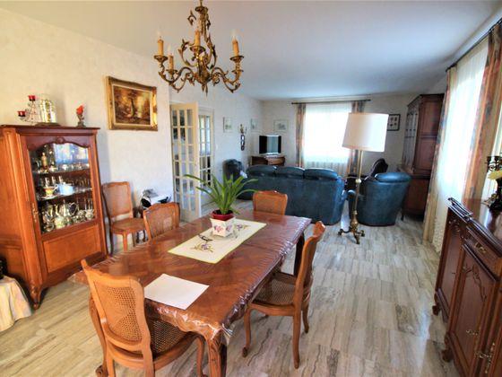 Vente maison 6 pièces 247 m2