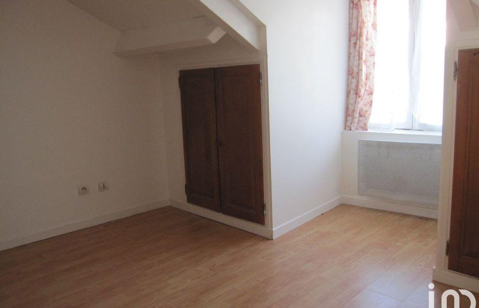 Location  appartement 2 pièces 27 m² à Cinqueux (60940), 560 €
