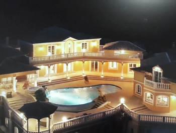 Villa 14 pièces 750 m2