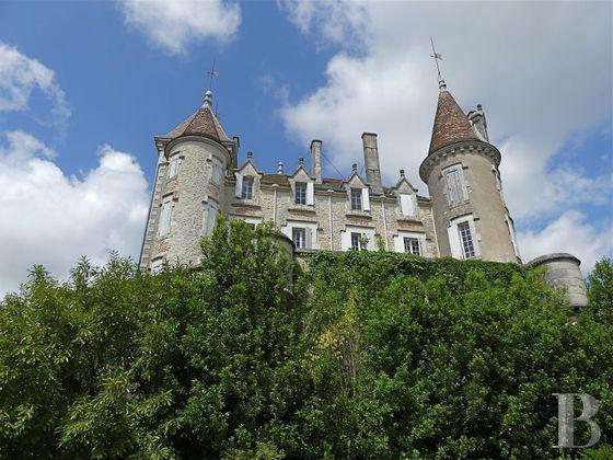 Vente château 15 pièces 828 m2