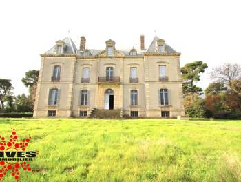 Château 21 pièces 742 m2