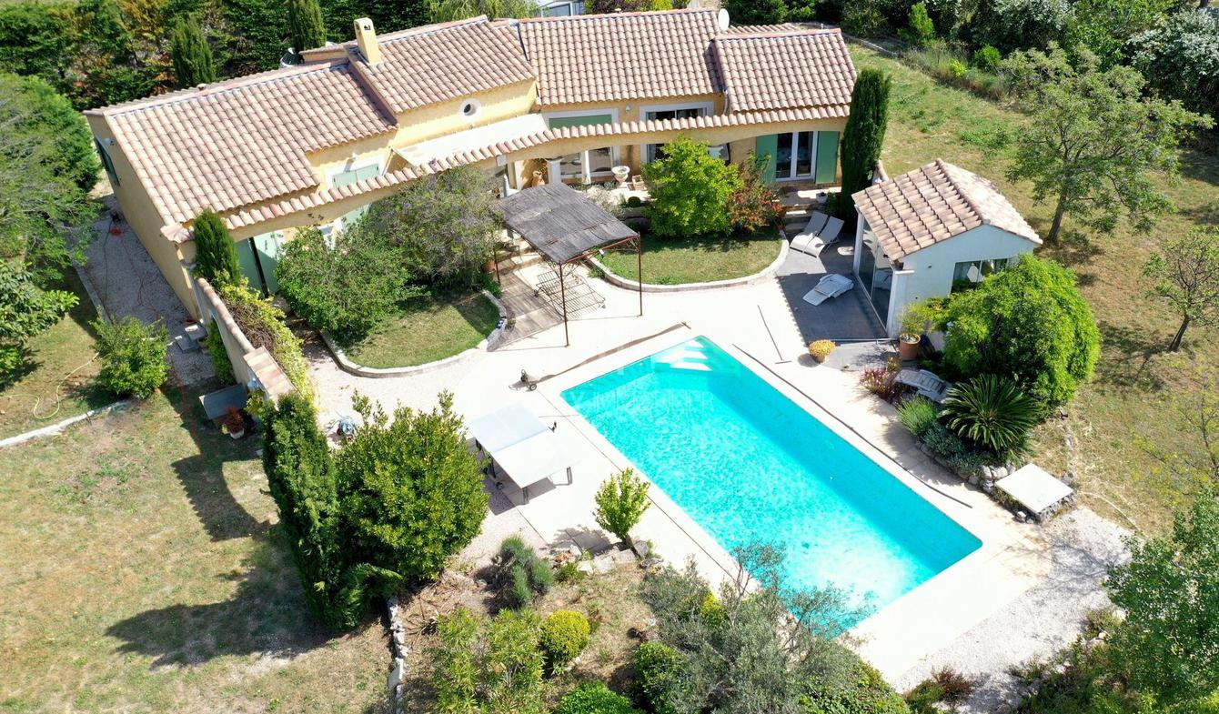 House with pool Arles