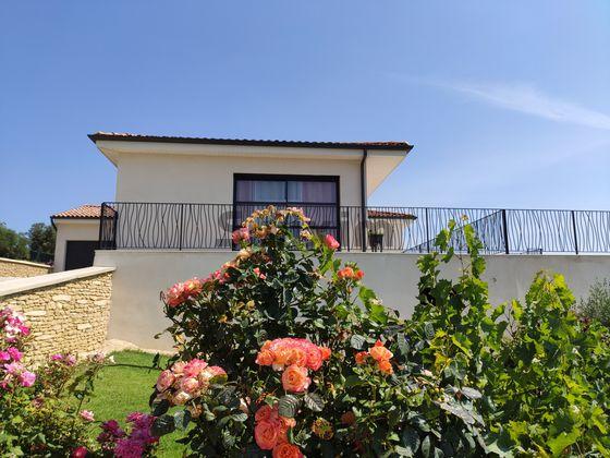 Vente villa 7 pièces 196 m2
