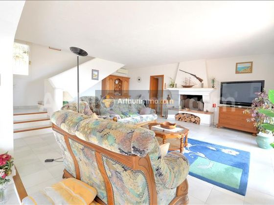 Vente villa 6 pièces 220 m2