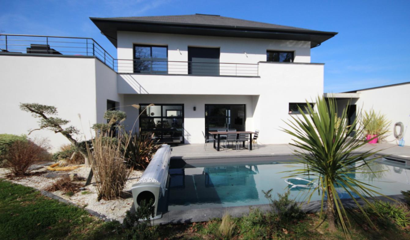 Maison avec piscine et jardin Morlaàs