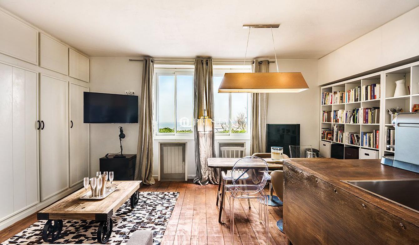 House Biarritz