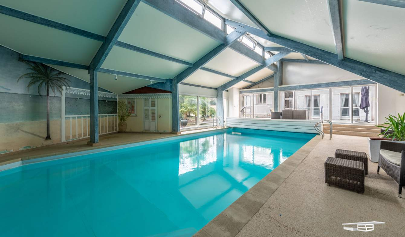 House with pool and terrace Fontainebleau