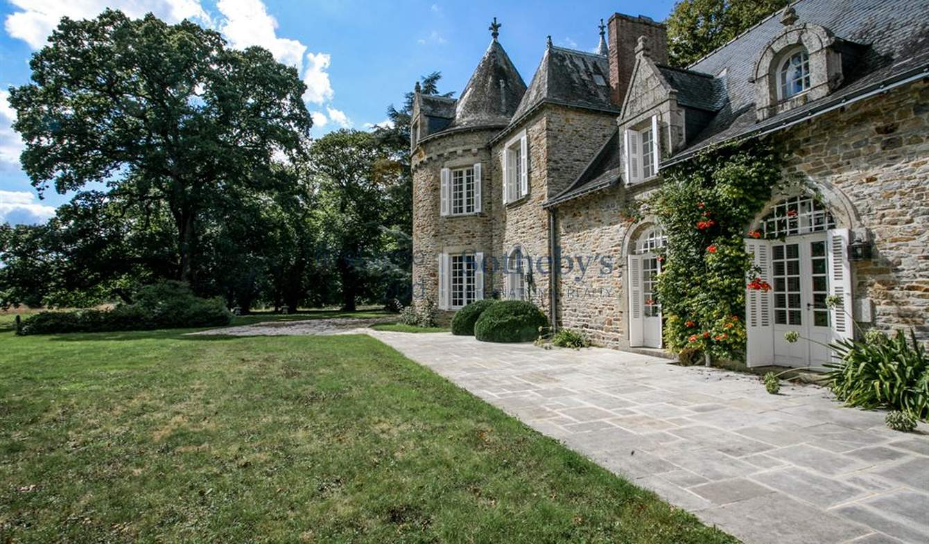 House with terrace Vannes