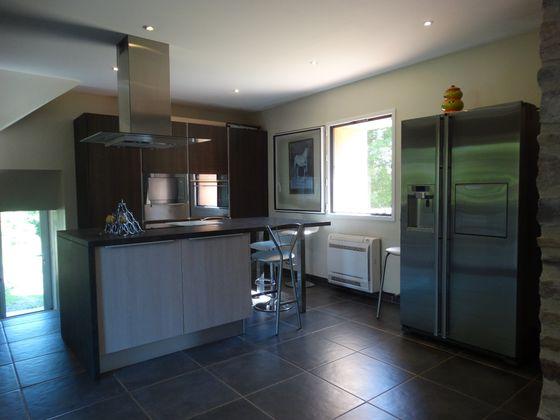 Vente maison 4 pièces 250 m2