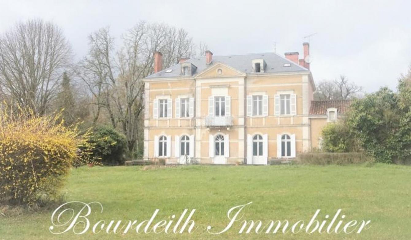 Maison avec terrasse Brantôme