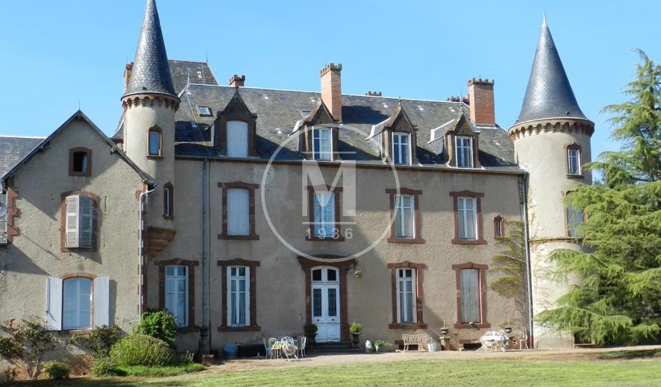 Castle Jaligny-sur-Besbre