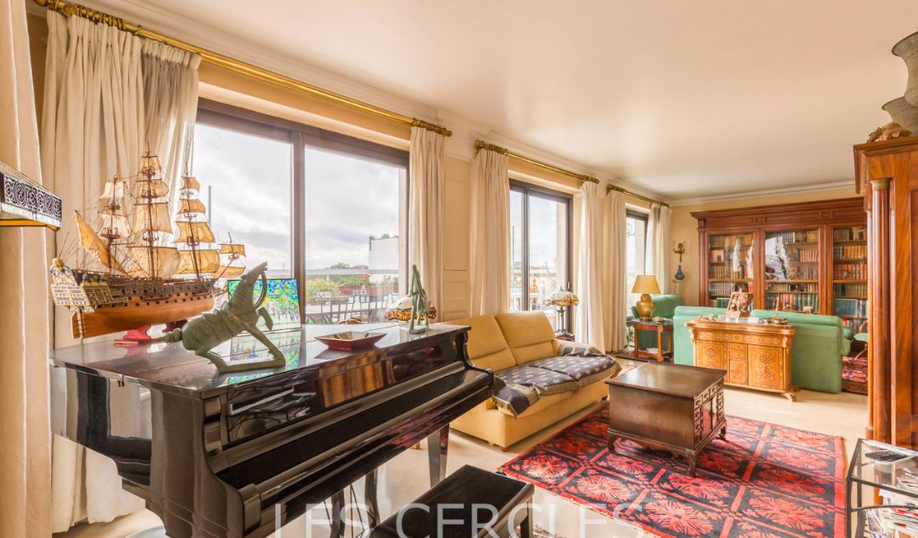 Apartment with terrace Vincennes