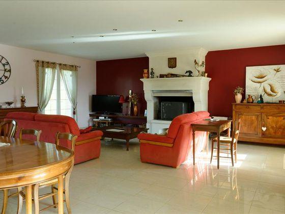 Vente maison 6 pièces 234 m2
