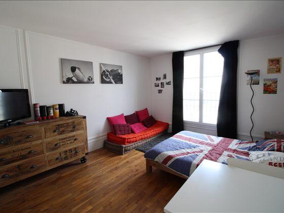 Location studio meublé 24,92 m2