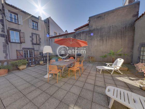 vente Maison 8 pièces 230 m2 Clermont-Ferrand