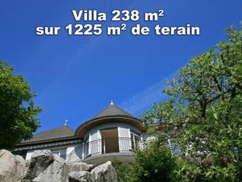 Maison 8 pièces 238 m2