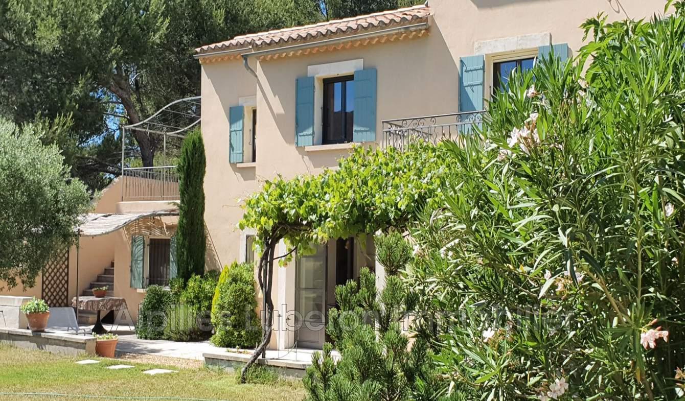 Villa avec piscine et terrasse Eygalières