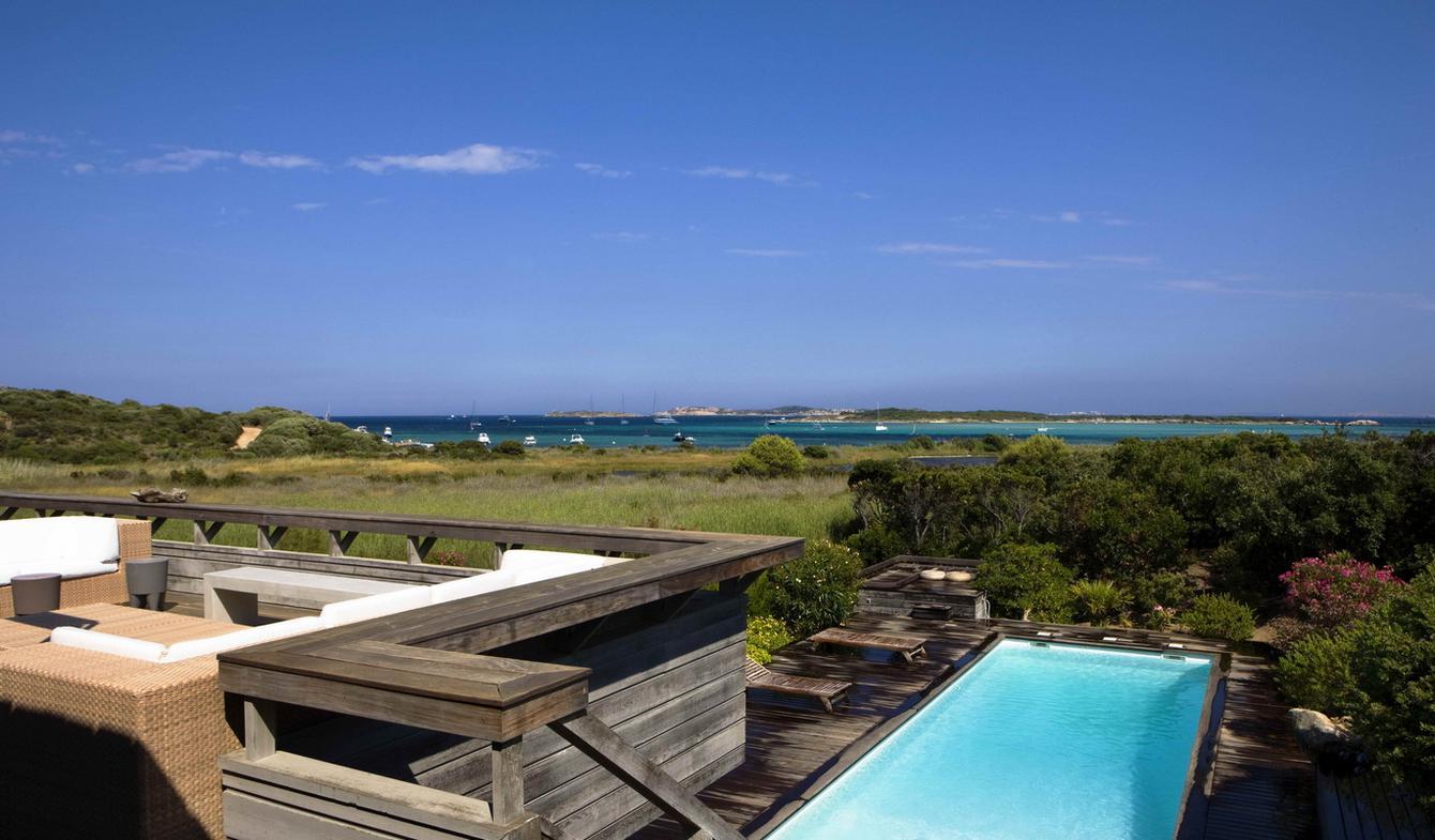 Villa avec piscine en bord de mer Bonifacio