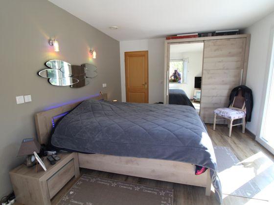 Vente villa 6 pièces 107 m2