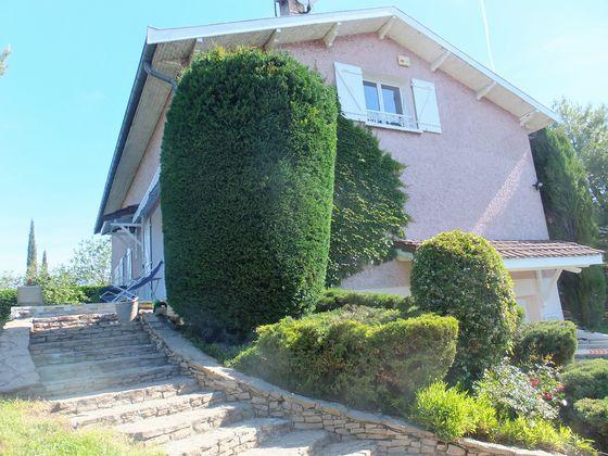 Vente villa 9 pièces 210 m2