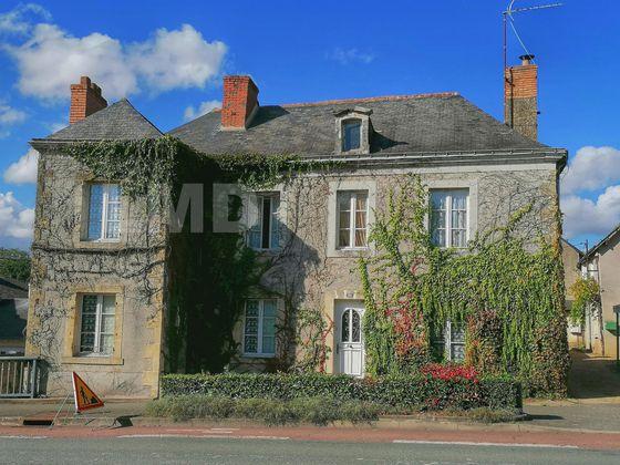 Vente maison 10 pièces 227 m2