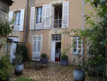 Maison 10 pièces 219 m2