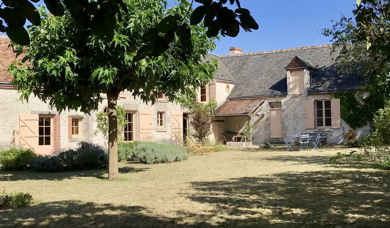 Maison avec jardin et terrasse Josnes