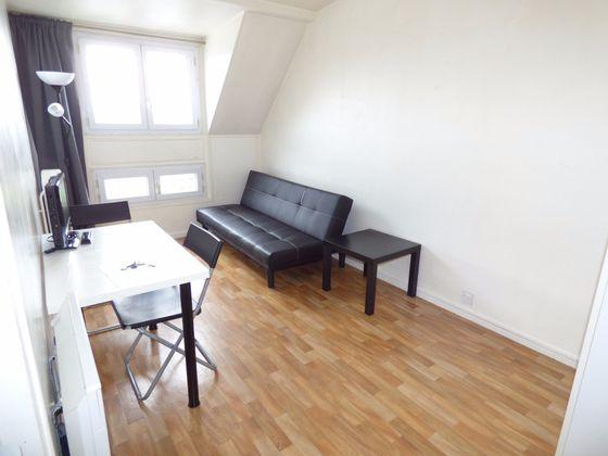 Location studio meublé 17,2 m2