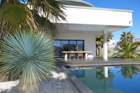 Maison avec piscine et terrasse