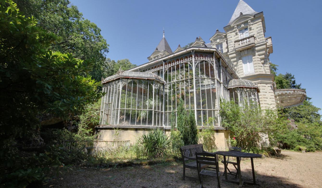 Property with pool Saumur