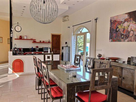 Vente villa 5 pièces 242 m2