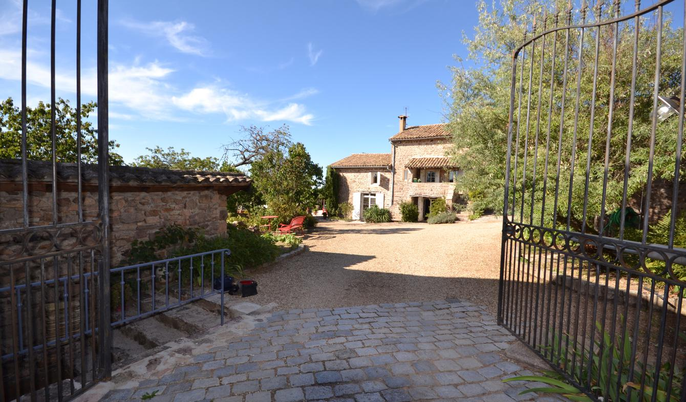 Property with pool Milly-Lamartine